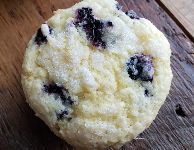 Take your fresh blueberries and make these delicious blueberry muffins. Perfect for breakfast or a snack. A great way to get your kids to eat blueberries.