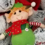 kindness elf heart template perfect to use with your elf (or elves) for you kids to show kindness to others. No shelf required.| eattravellife.com