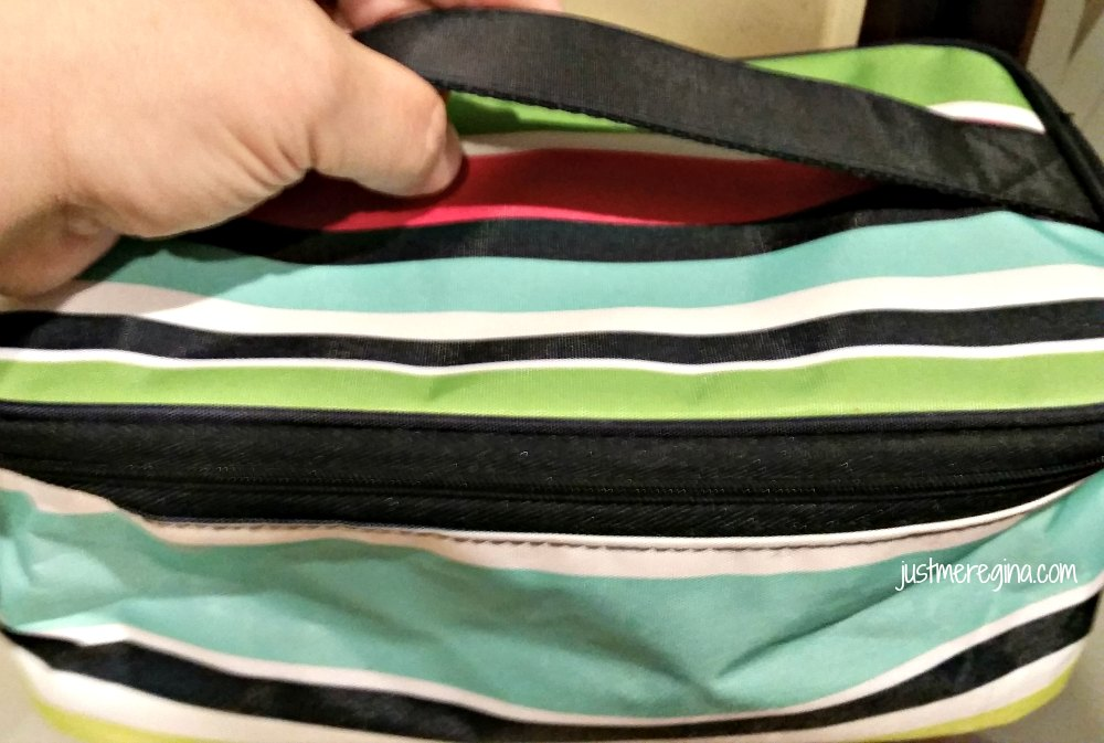 Tthirty-one gifts are great for everyone on your to buy for list and yourself. Check out this review of the Glamour Case - eattravellife.com