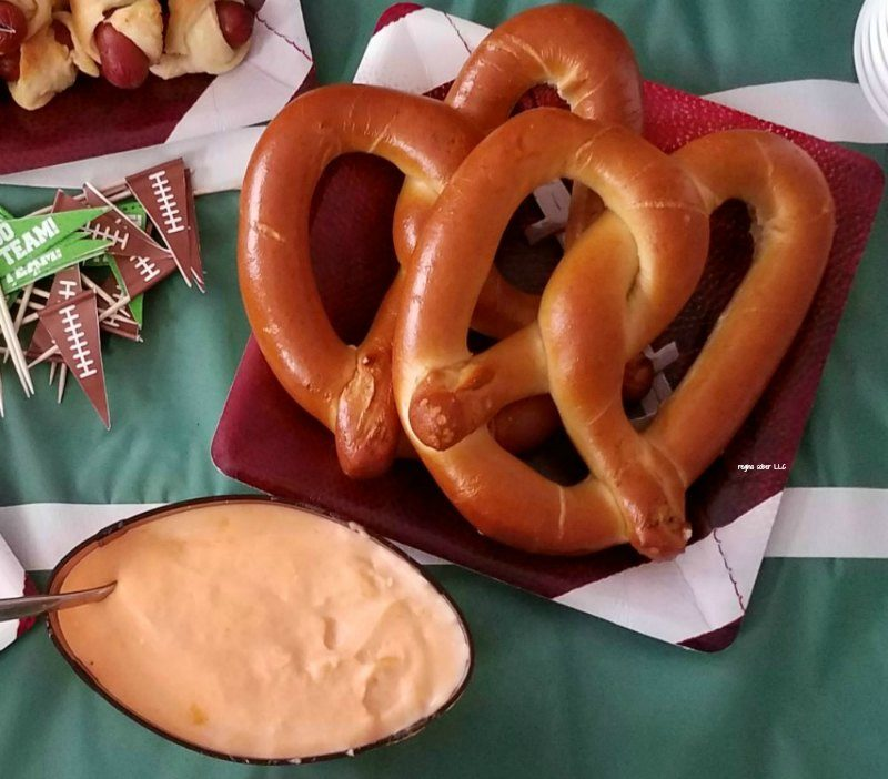 beer cheese dip for pretzels - football party food, super bowl parties