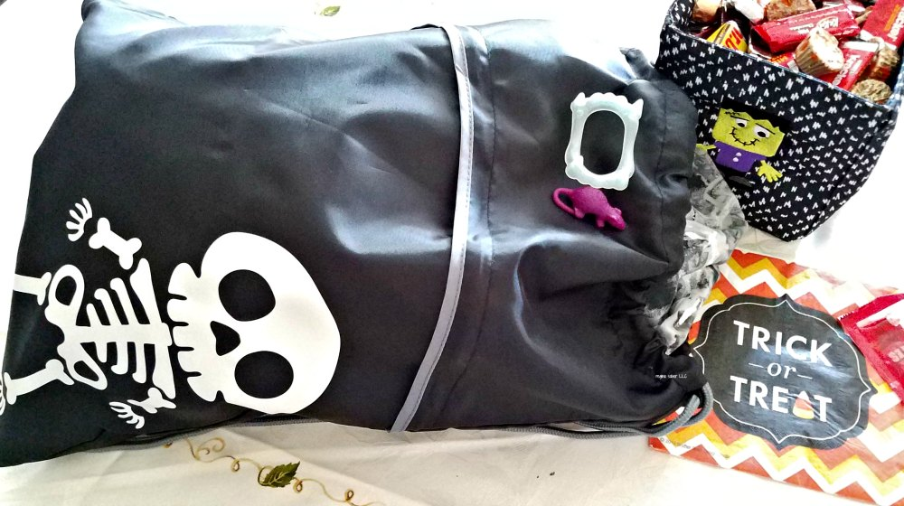 Celebrate in style this Halloween with these beautiful bags. #sponsored- eattravellife.com