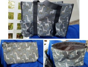 giveaway for these adorable Go-Go Giraffe print bags from Thirty-One