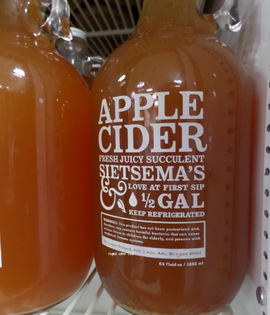 Visit Michigan's orchards cider mills and experience what is out there in the great state of Michigan. Find fresh cider, donuts and delicious apples. - eattravellife.com