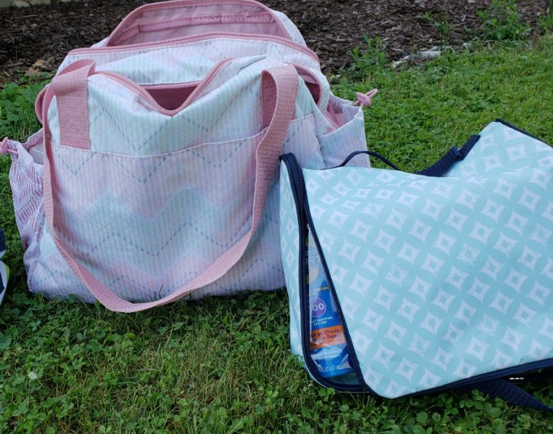 It can be a difficult decision to select what baby accessory bags you need. Here is my review of the personalized options from Thirty-One Gifts.