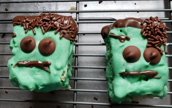 Looking for something fun and out of the norm to make for the Halloween party? Check out how to make these fun Frankenstein rice treats.