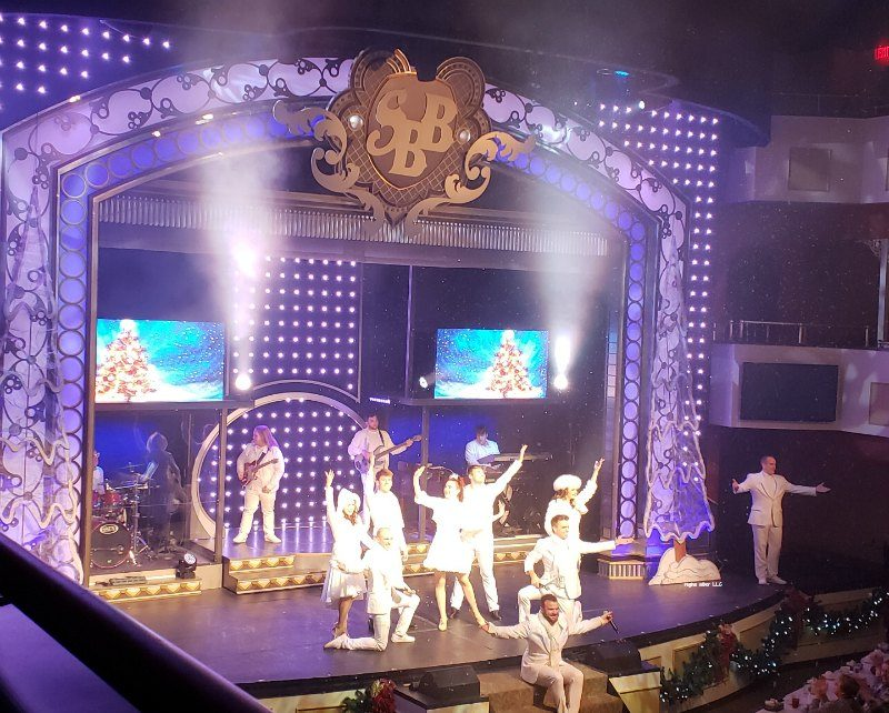 Want to experience something fun and unique? Take a dinner cruise aboard the Showboat Branson Belle in Branson Missouri and be entertained and fed!