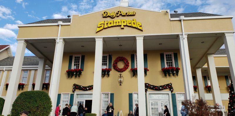 Dolly Parton Christmas Show