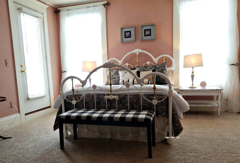 nordic pineapple pink pumpkin room Saint Johns Michigan