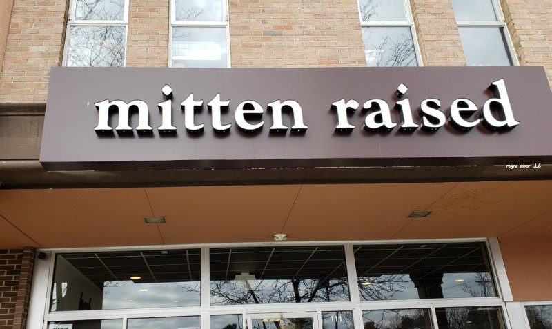 mitten raised donuts east lansing michigan