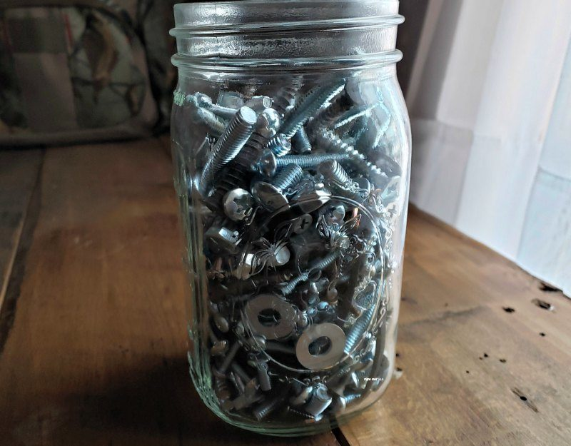 reuse old jars for screws and bolts