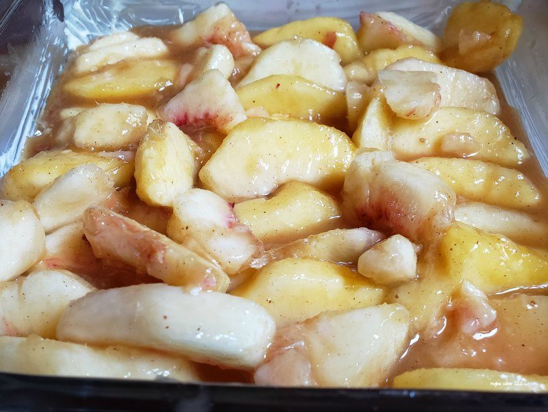 easy peach cobbler with fresh peaches