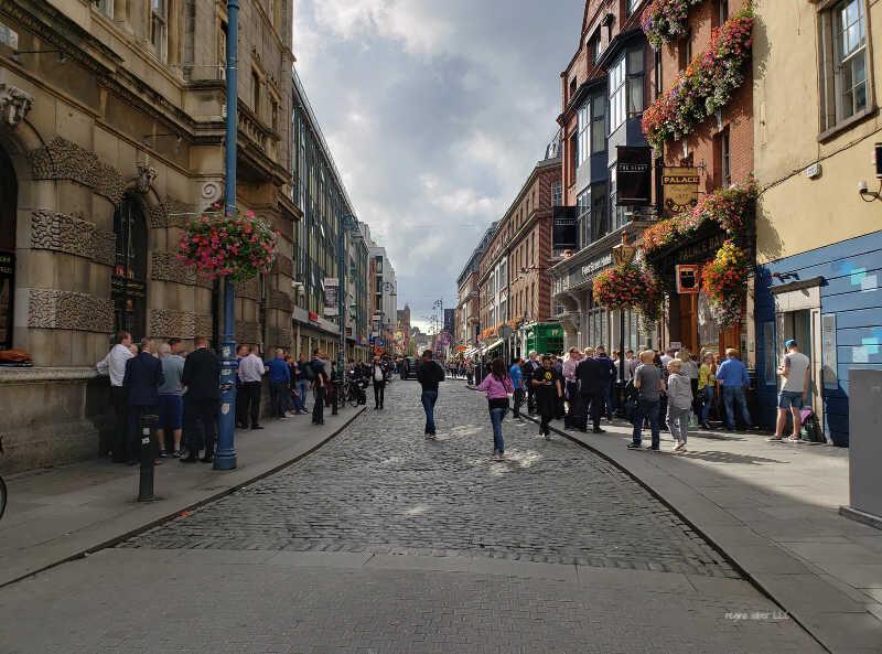 street pub dublin ireland