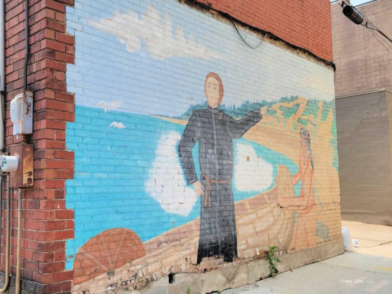 Mural Downtown Lansing Claras