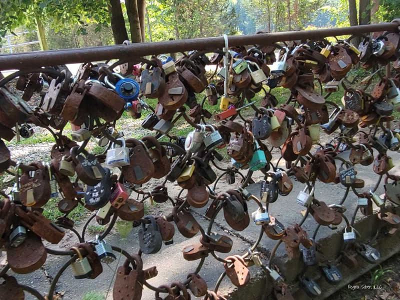 love lock chain fence