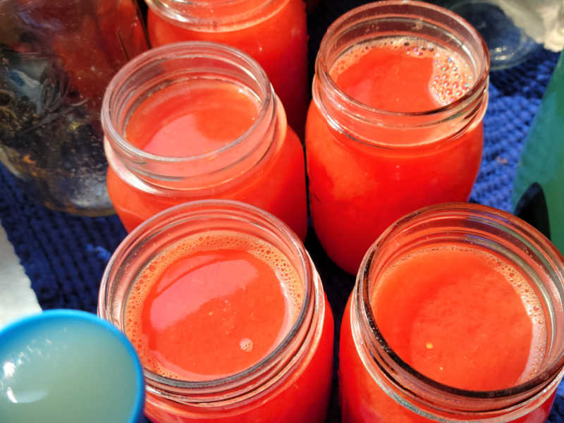 canning jars with juice